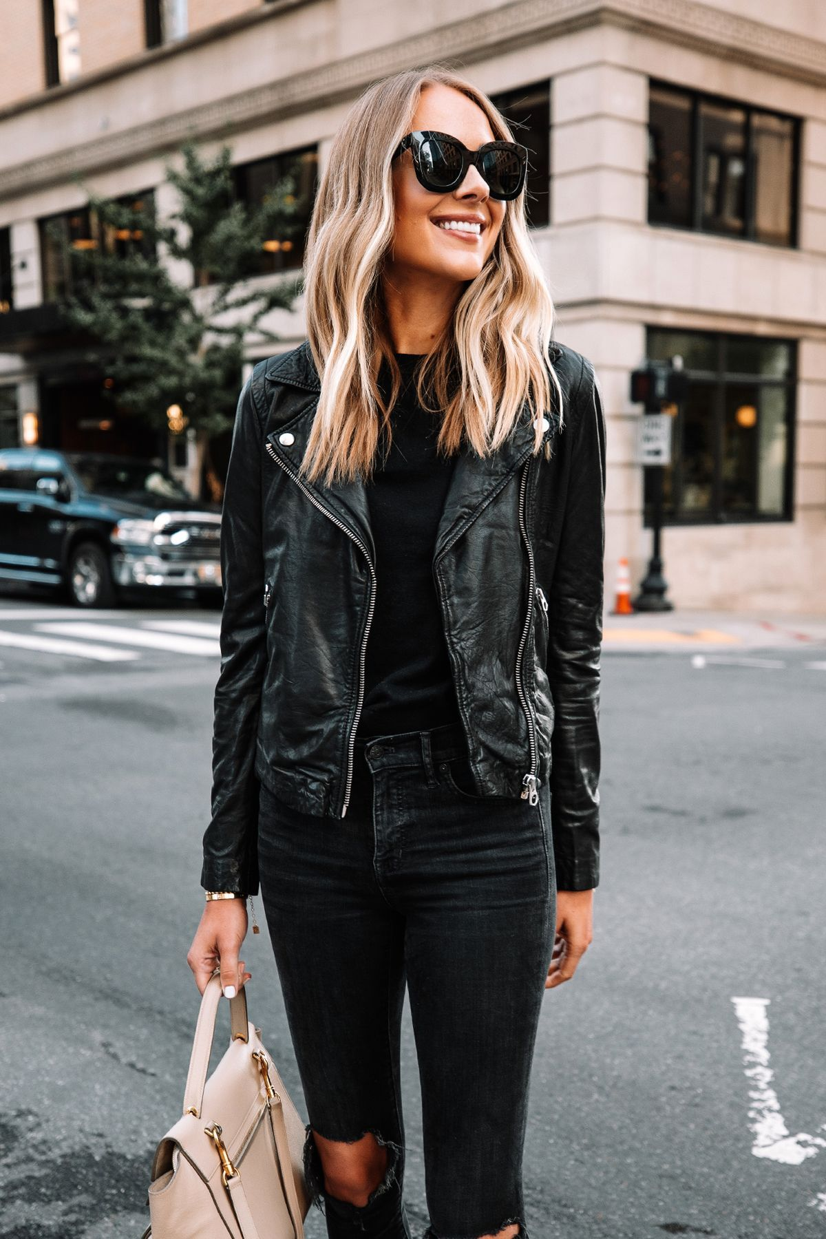 Fall All Black Outfit Black Jeans Outfit For Fall Leather Jacket Outfit Black Leather Jacket Fall Fashion Fashion Jackson Leather Jacket Outfits [ 1800 x 1200 Pixel ]