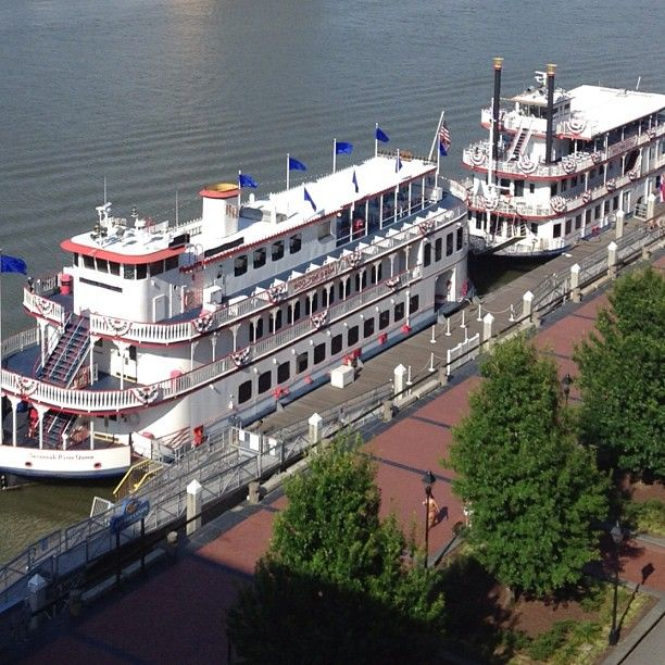 Take A Riverboat Cruise In Savannah Fun For The Entire Family Family Adventures Pinterest