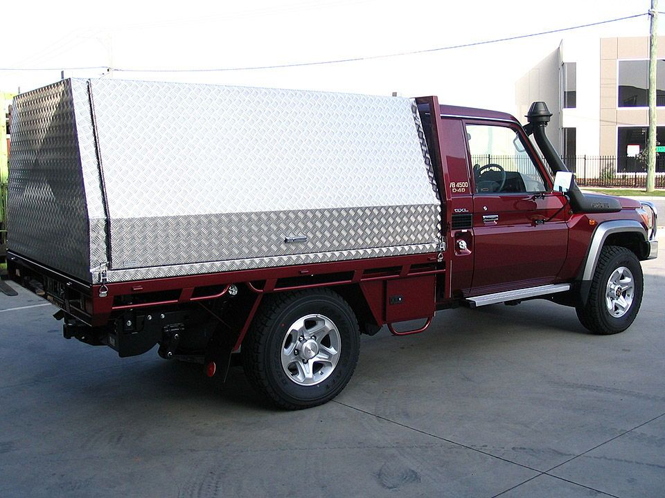 Aussie Tool Boxes manufacture of excellent quality Aluminium Ute Canopy truck and caravan tool boxes. & Aussietoolboxes Service Bodies manufactures a great range of ...
