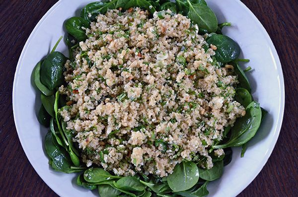 Spinach and Quinoa Salad with Feta and Dill--an incredibly flexible recipe for those with dietary restrictions.  #spinach #quinoasalad #glutenfree