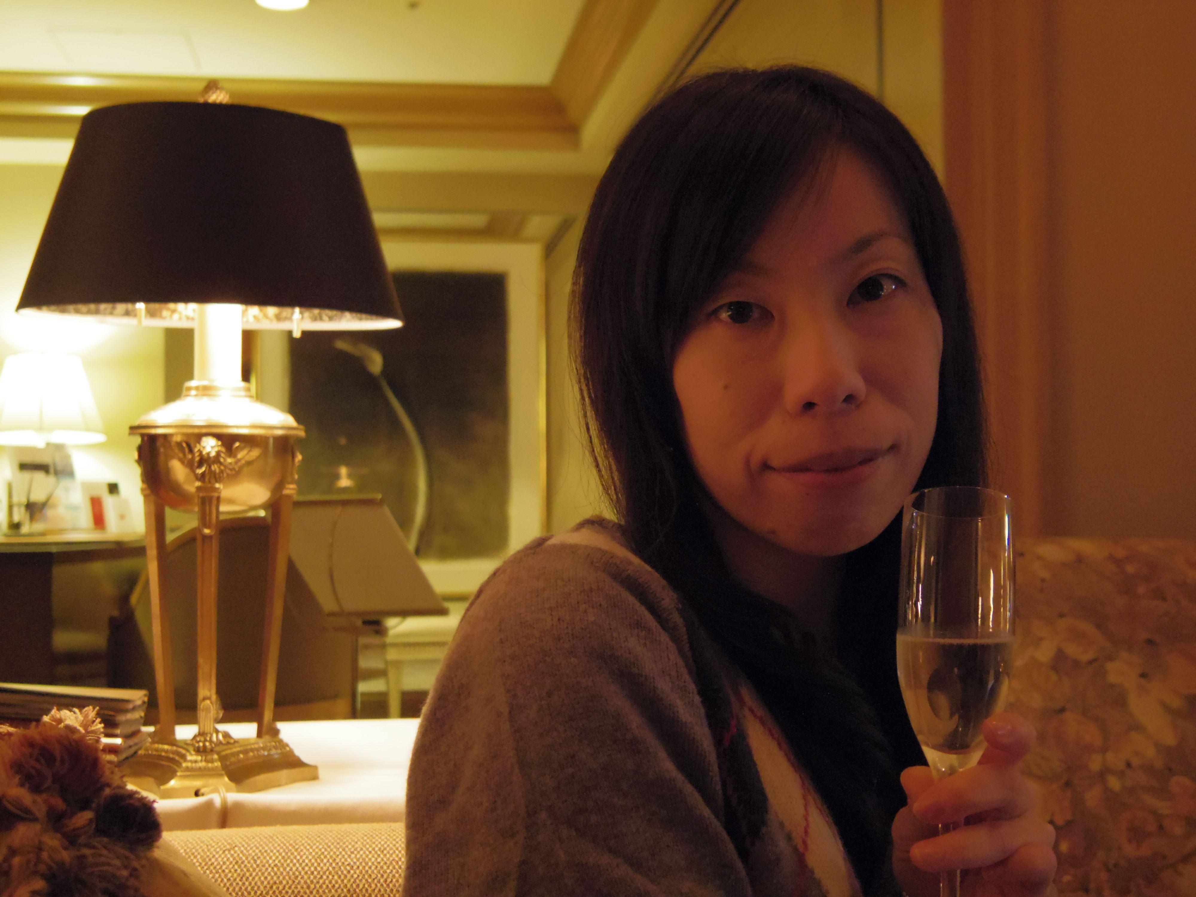 お酒が入ってハシャいでいますww@ロイヤルパークホテル横浜