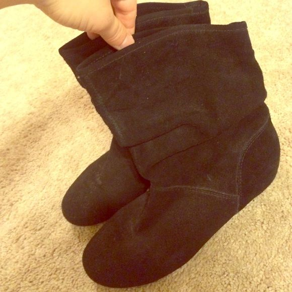 Short Black Suede Steve Madden Boots These are size 6.5, black suede Steve Madden booties in great condition. Steve Madden Shoes Ankle Boots & Booties