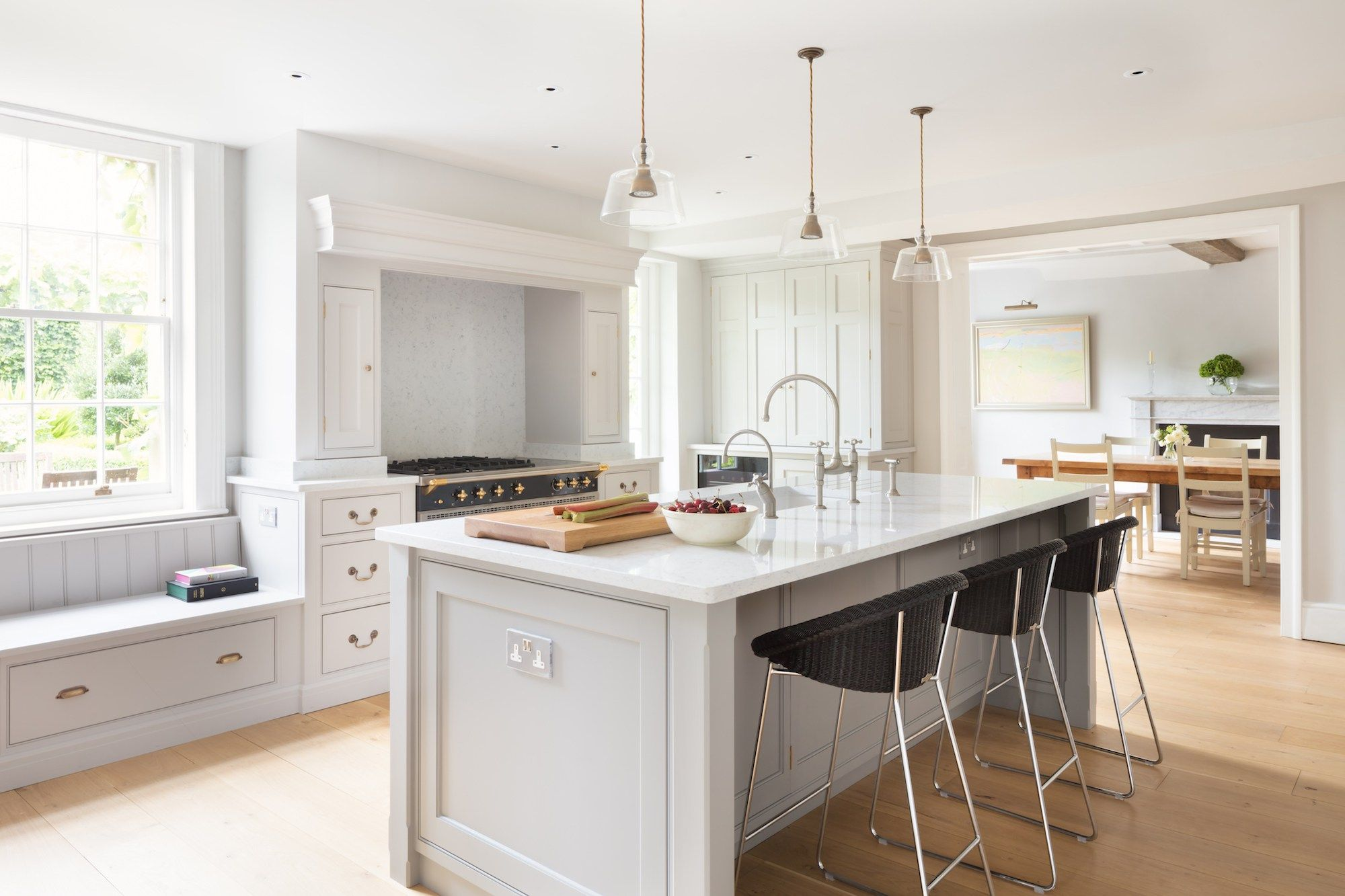 Georgian Farmhouse Kitchen, Hampshire - Humphrey Munson Kitchens ...