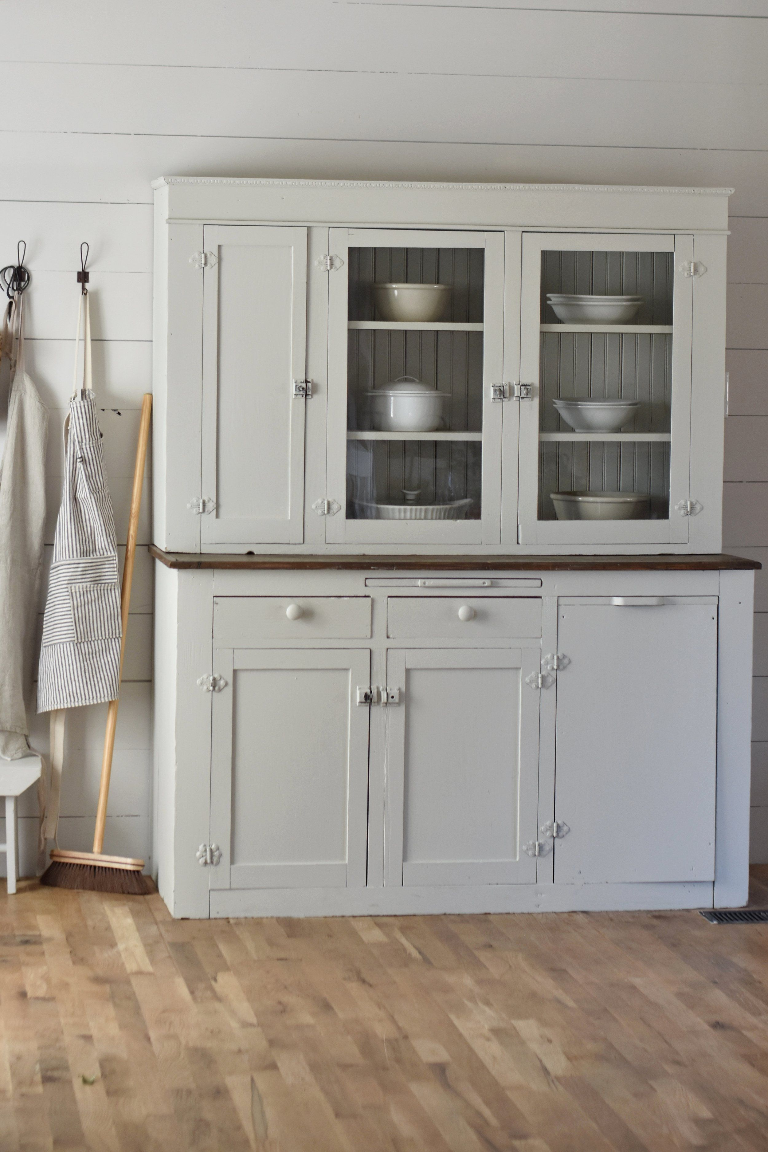 Farmhouse Style Cabinet Makeover | Home Decor that I love | Pinterest