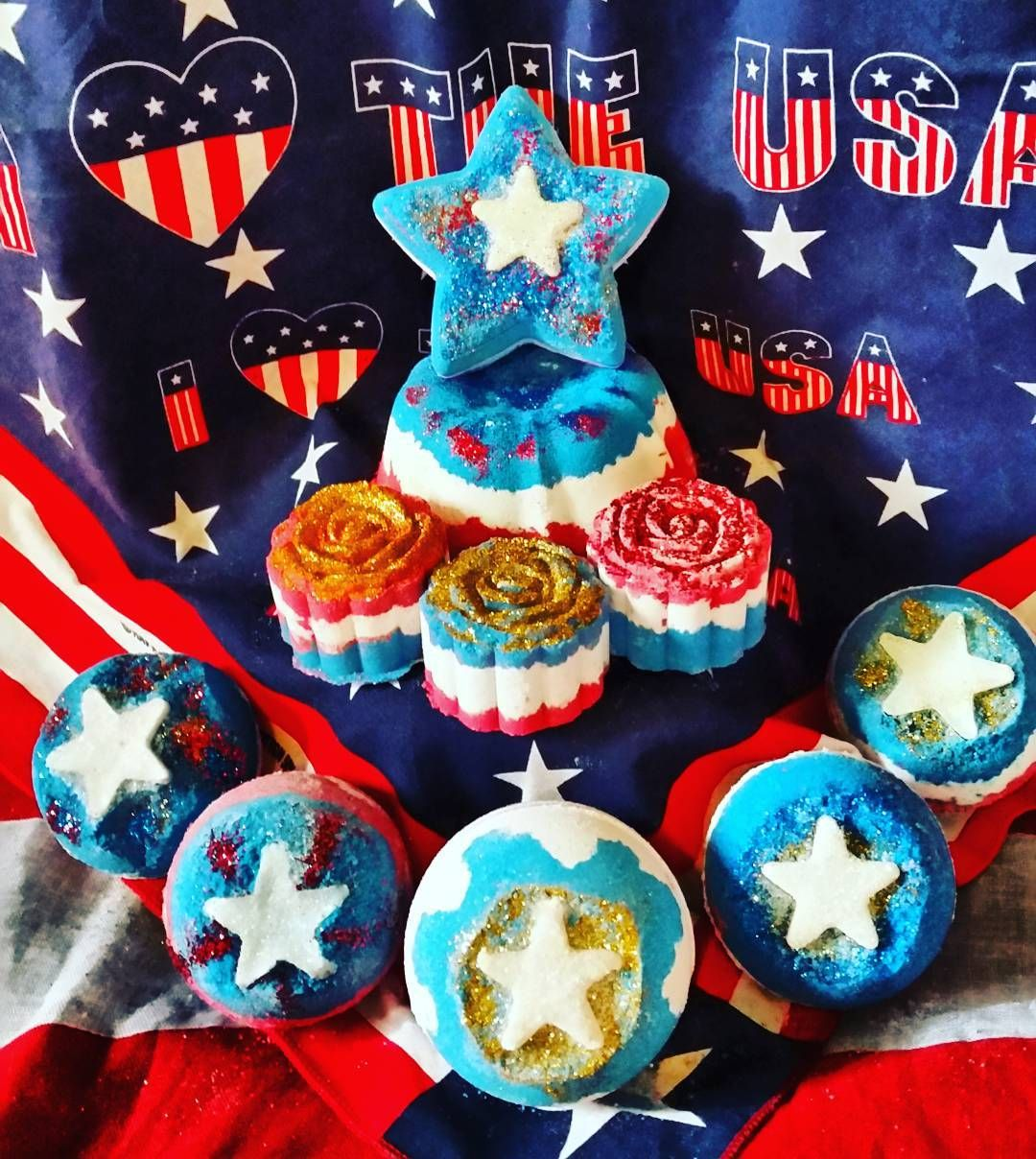 "43 Likes, 3 Comments - Moon Acre Bath Bombs (@moonacrebathbombs) on Instagram: ""I LOVE THE USA!! 4th of July is coming let the fireworks start in your tub. #starsandstripes #usa…"""