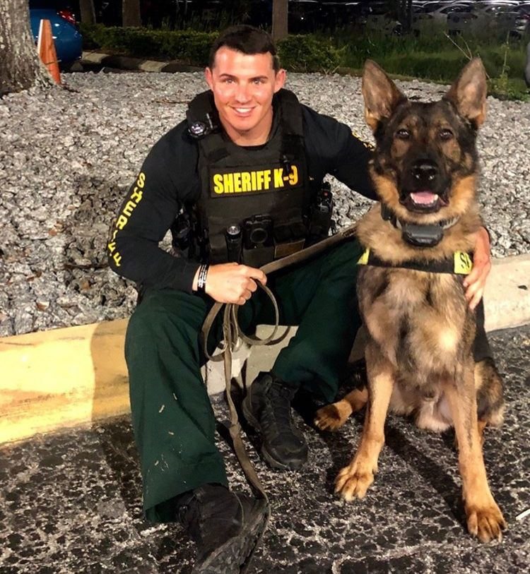Pin By Pam Jones On Live Pd Men In Uniform Military Dogs Service Dogs