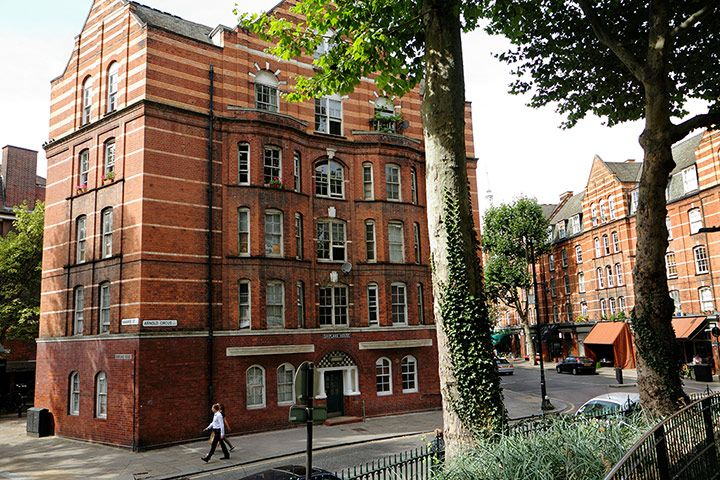Ten Solutions To The Housing Crisis In Pictures London Mansion Social Housing Council House