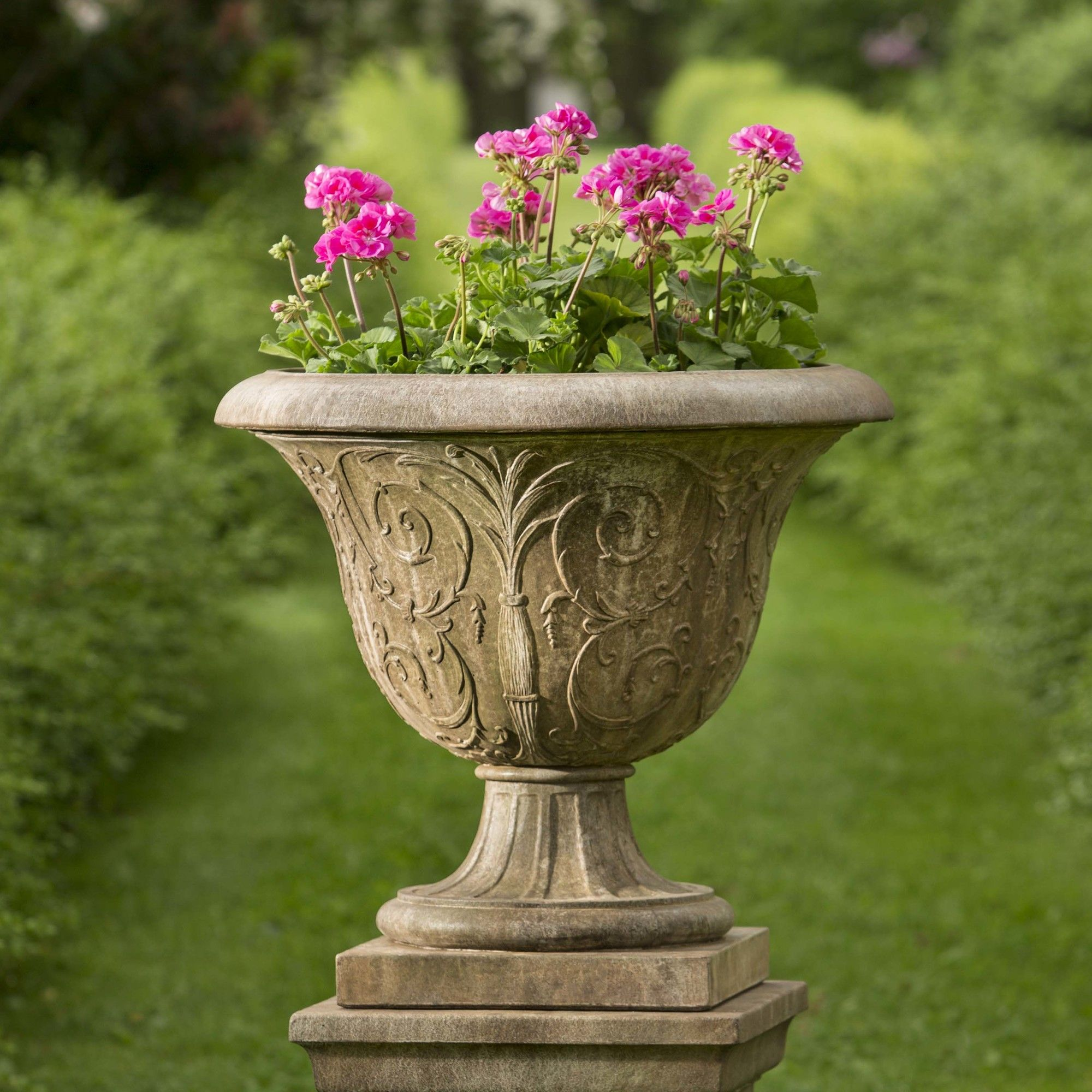 planter litchfield and pin planters cast urn stone