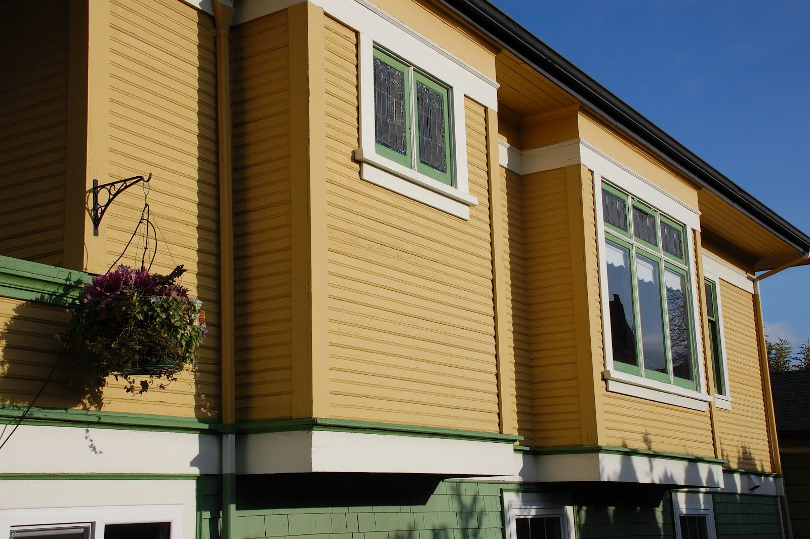Cantilevered Bump Outs House Mountain Living Outdoor Decor