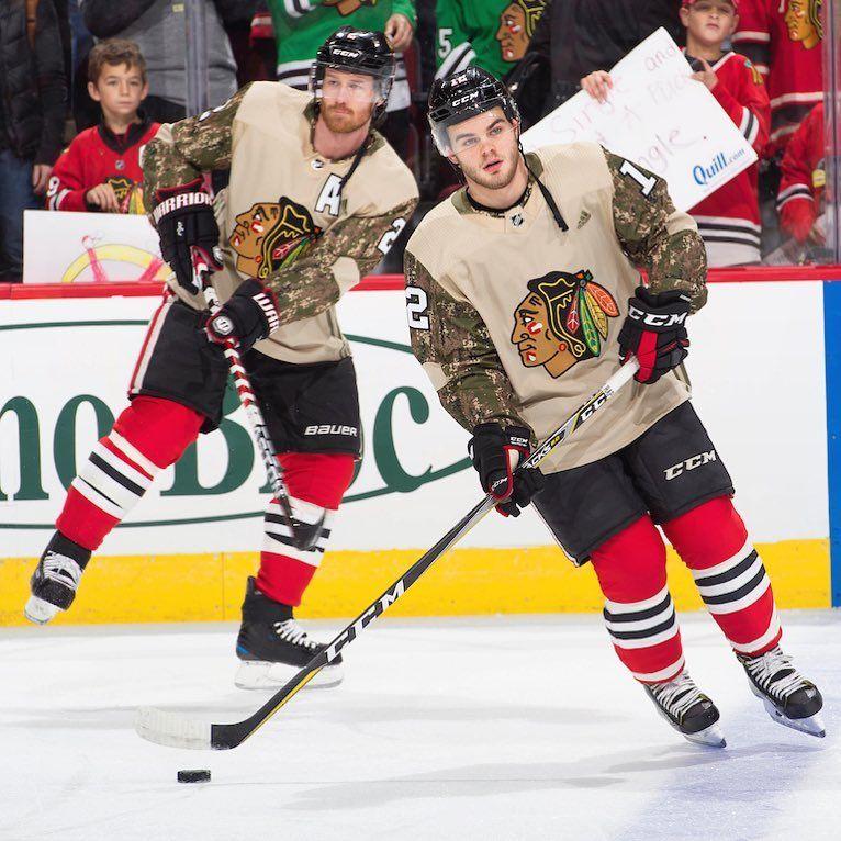 Pin By Kimberly Moore On Hockey Chicago Blackhawks Hockey