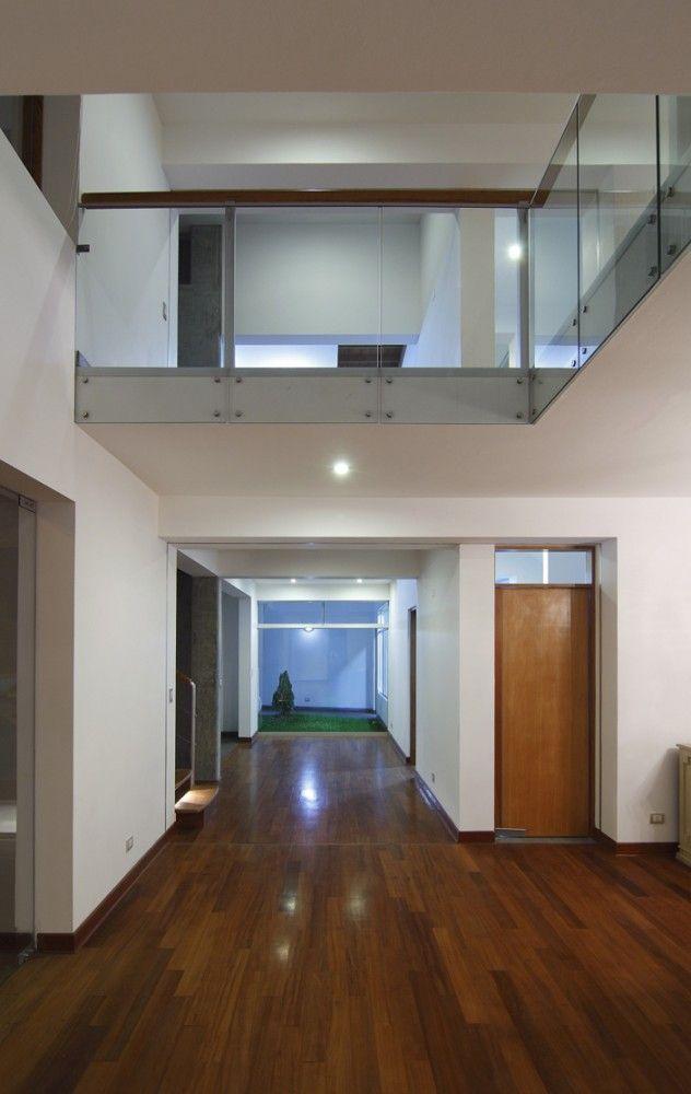 Interior de casas a desnivel buscar con google home for Casa minimalista a desnivel