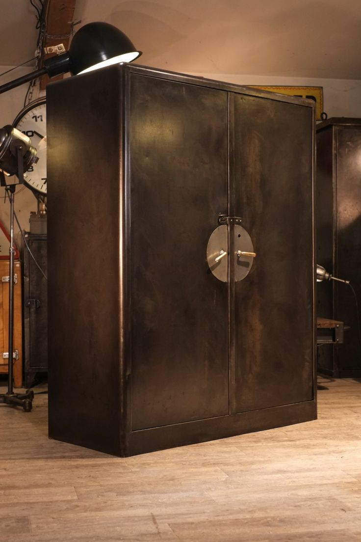armoire industrielle ancienne deco loft antiquitesdesign com