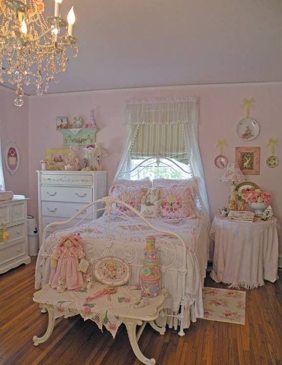 Beautiful chic bedroom in pink and white shabby chic bedroom interior design examples - Habitaciones shabby chic ...