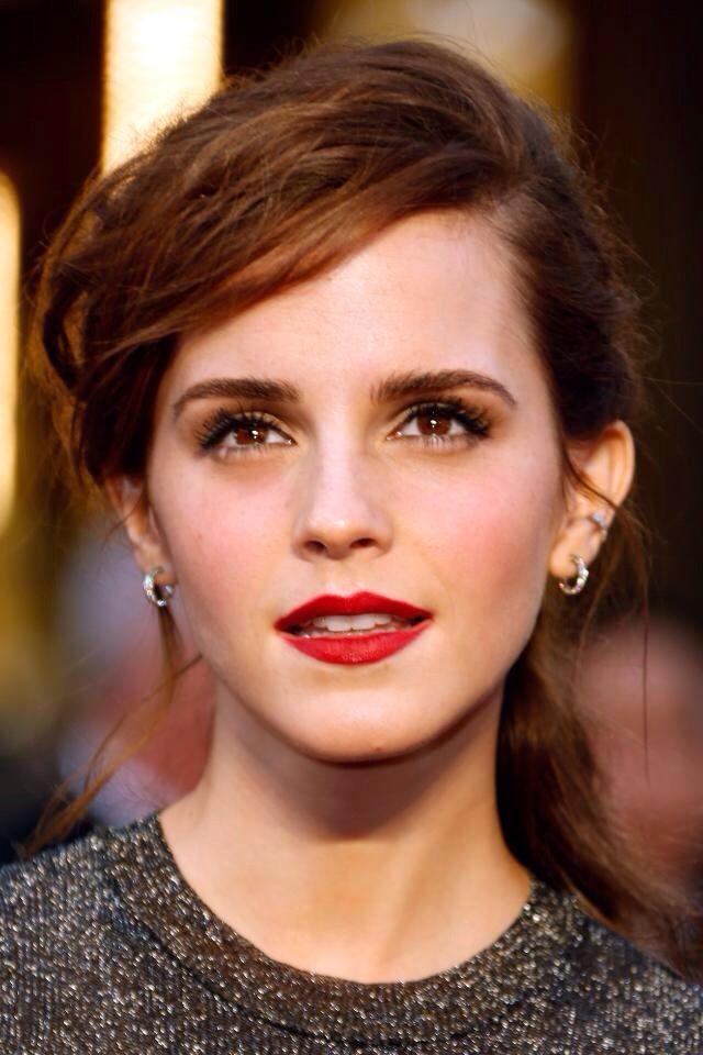 Emma Watson Love The Way Her Make Up And Hair Color Makes Her Brown Eyes Stand Out Emma Watson Beauty Emma