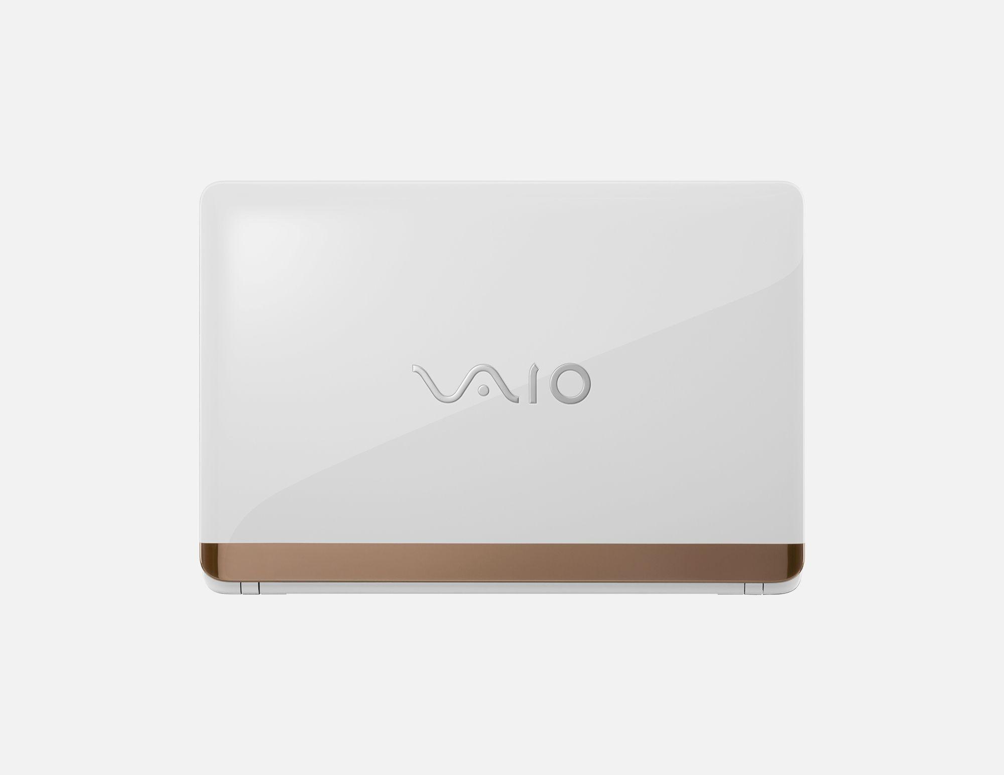 """""""I like it."""" PC VAIO C15 PCだって「これ、好き」で選んだっていい。自分に合ったインテリアや服やバッグのように、日々の気分、仕事するときの気持ちを高めてくれるような、個性的なカラーリング、デザイン。"""