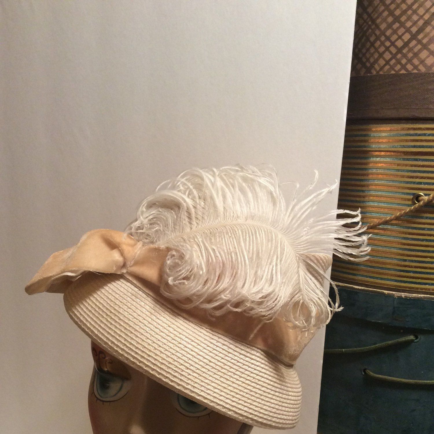 Vintage 1940s Genuine Swiss Perido Straw Hat With Feathers Etsy Hats Vintage Straw Hat Hats