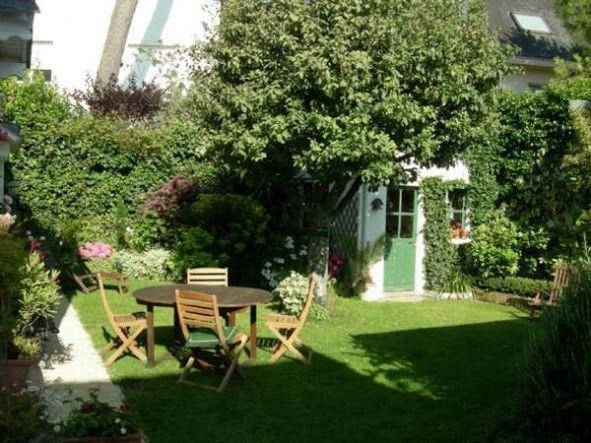 Petit Jardin De Ville Jardins Champetres Petits Jardins Jardin