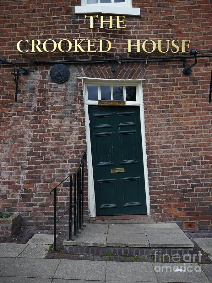 The Crooked House Pub in Himley near Dudley Staffordshire UK. Built in 1765 & The Crooked House Pub in Himley near Dudley Staffordshire UK ...