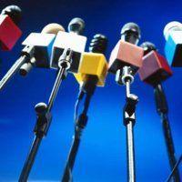 El republicano Hamlet Harutyunyan, dijo este martes que los periodistas que cubren sesiones parlamentarias deberían pagarles a los políticos por las entrevistas.