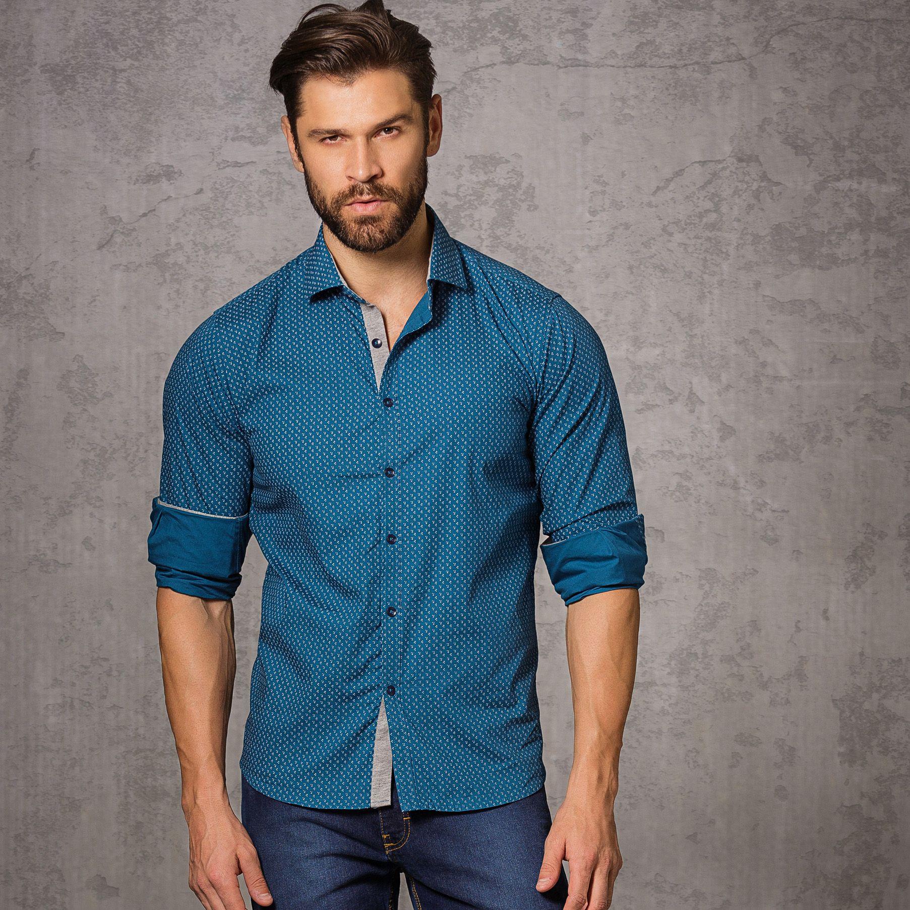 camisa social e calça jeans