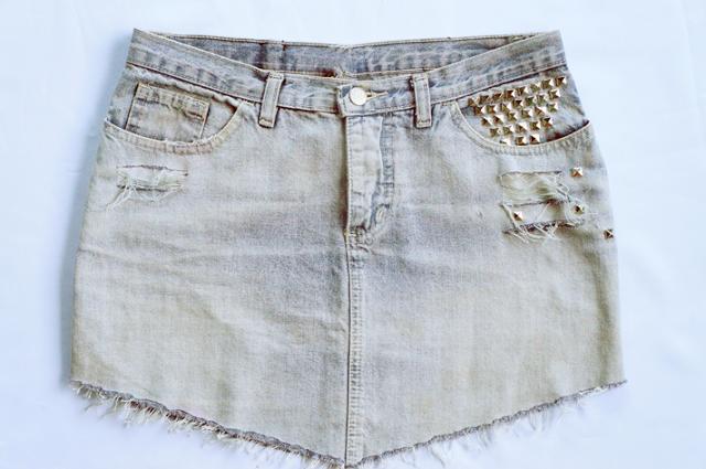 Entre Linhas, Agulhas, Papéis e Tecidos: Saia Jeans Customizada