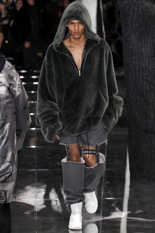 Alexander Wang, Lacoste, Moncler Grenoble, Yeezy, les meilleurs looks homme  à la fashion week automne-hiver 2016-2017 de New York 71cf6330837