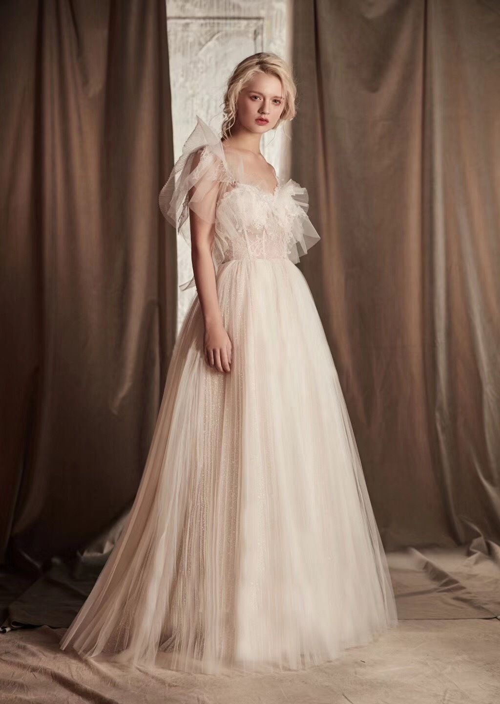 Ivory pleated tulle beach wedding dress casual gown for