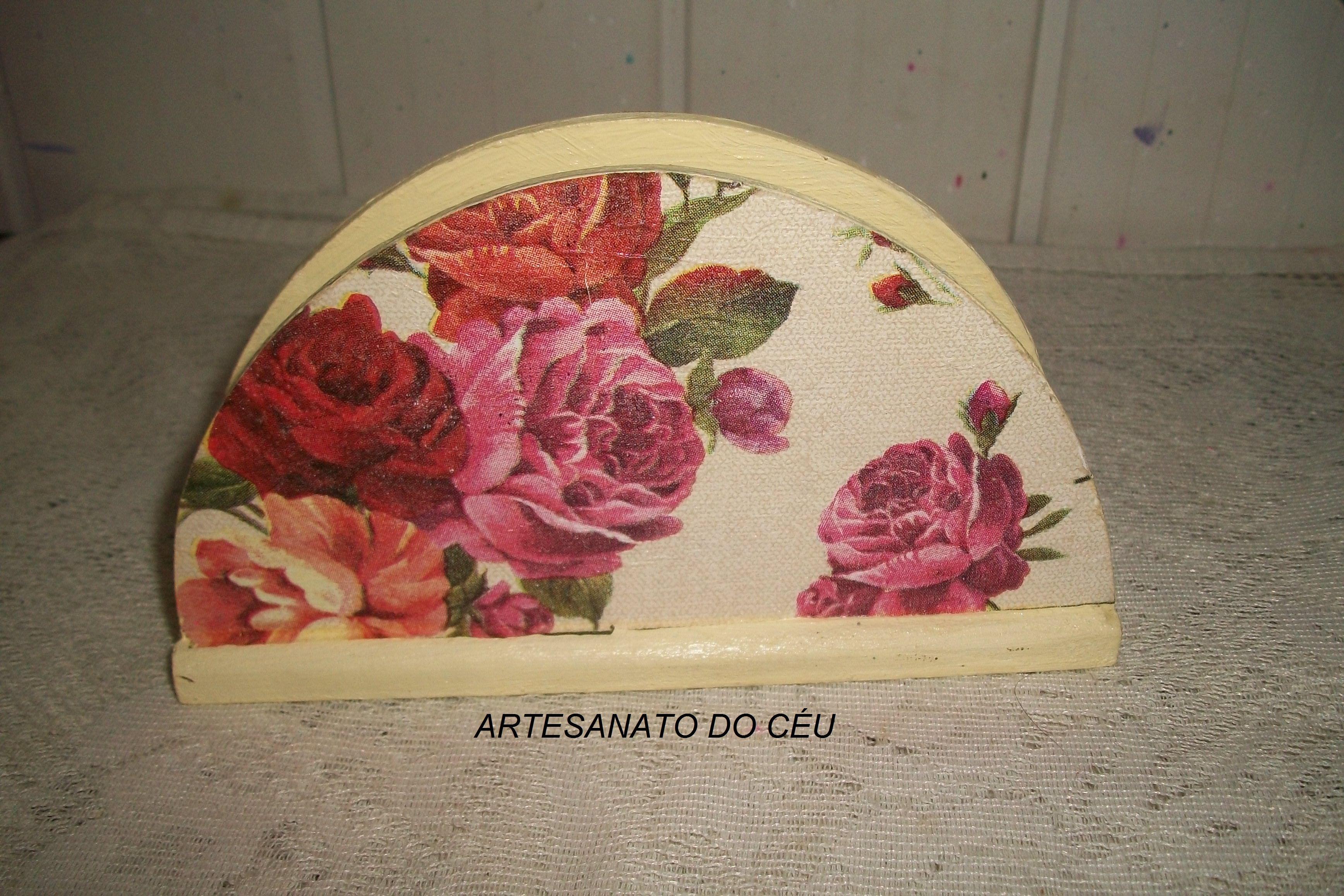 Porta Guardanapo - R$ 15,00 Cod: PFCO  095 - VENDIDO