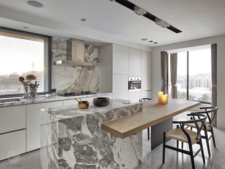 cuisine moderne avec ilot central marbre coin repas integre table bois cuisine modern