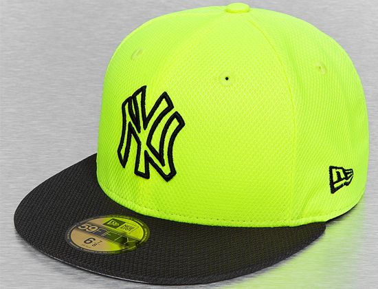 7537f405fa1 Custom New York Yankees Diamond Era Basic Volt-Black 59Fifty Fitted  Baseball Cap by NEW ERA x MLB