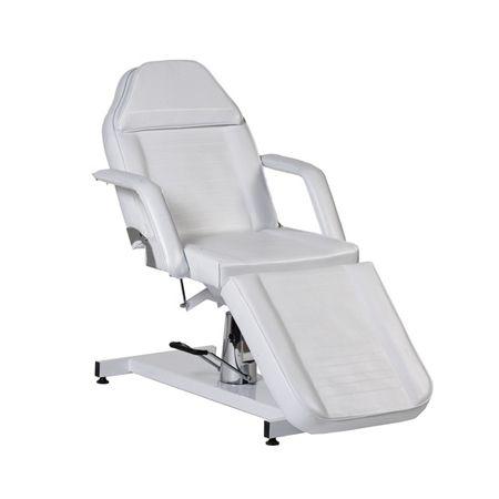 Leichtgängige hydraulische Höhenverstellung, schöne klare Optik, viele mechanische Einstellungen - diese Liege bietet Ihnen ein Optimum zum kleinen Preis. Dank des Gesichtsfeldes können Sie auf dieser Liege sogar Rückenbehandlungen sowie -massagen durchführen. Und möchten Sie nach einer entspannenden Rückenmassage noch weitere Behandlungen durchführen bei der Kunde sitzen muss, dann verschließen Sie das Gesichtsfeld ganz einfach mit dem passgenauen Komfortkissen. (Art.-Nr.: KL 125 H JH)
