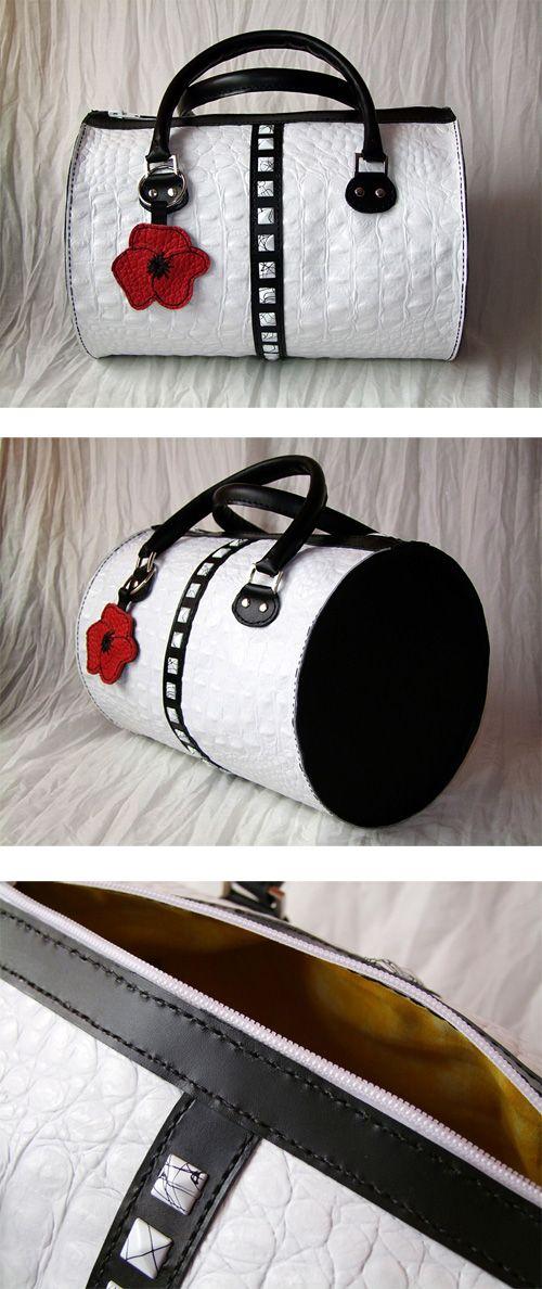 Bolso de cuero cosido a mano. Handcrafted leather bag, hand stitched #leather #leathercraft #cuero #piel #purse #bag #bolso