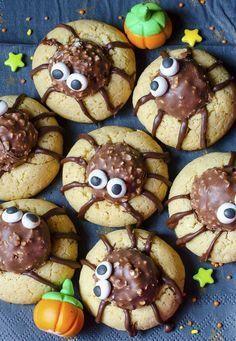 ▷ 1001+ recettes halloween originales pour un apéro effrayant #gateauhalloweenfacile biscuits-au-chocolat-et-noix-décoration-araignée-citrouilles-décoratives-buffet-apero-halloween #gateauhalloweenfacile