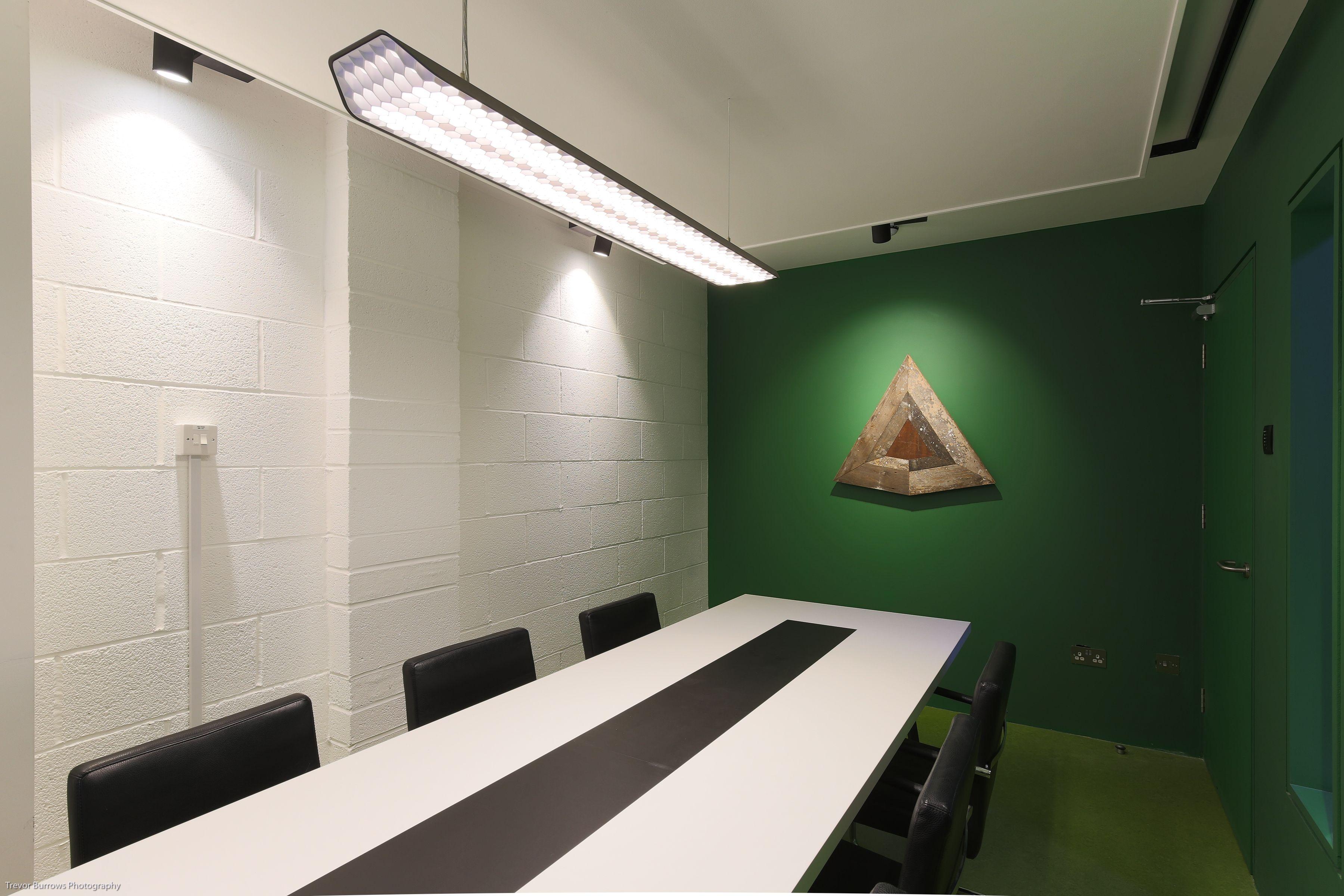 Modular Vaeder pendant light for Meeting Room with Illuma spotlights ...