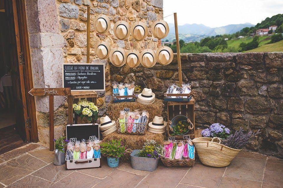 Detalles para bodas tendedero de borsalinos y alpargatas - Detalles para decorar ...