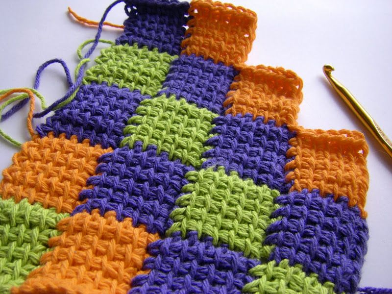 tunisian entrelac-this is easy once you get to the 2nd row ...