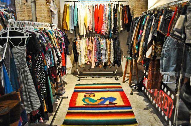 The Vintage Shopper The Return Of Barcelona S Brick Lane Market Brick Lane Barcelona Fashion S Brick
