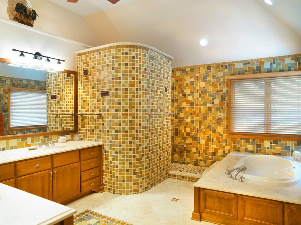 Great Doorless Shower decorating ideas for Bathroom Traditional ...