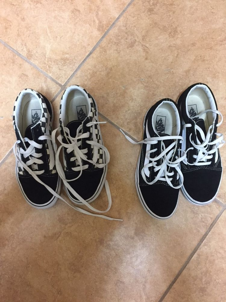 374bb14378 VANS KIDS OLD SKOOL SNEAKERS - SIZE 3.5 - TWO PAIRS  fashion  clothing