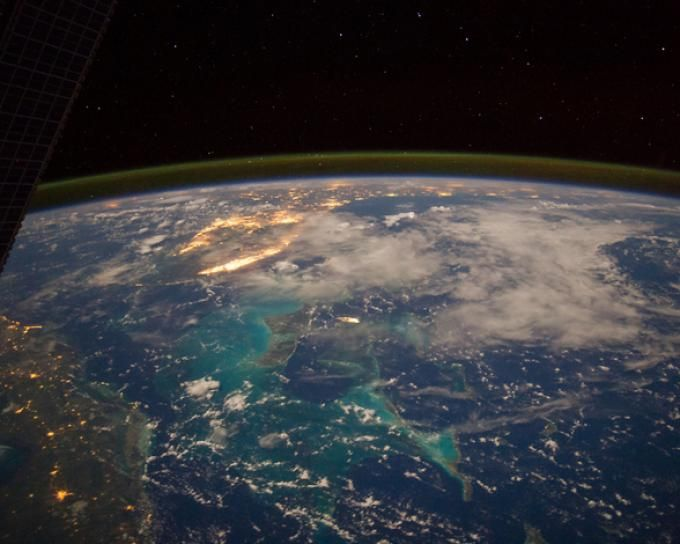La Tierra De Noche Vista Desde El Espacio Earth From Space Nasa Images Earth
