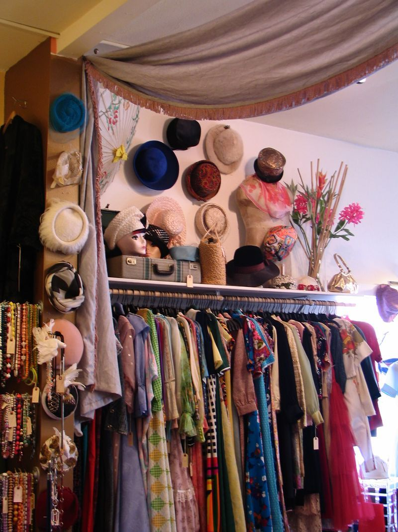 More Vintage I Call It Beautifully Cluttered Vintage Clothes Shop Vintage Store Ideas Vintage Clothing Boutique