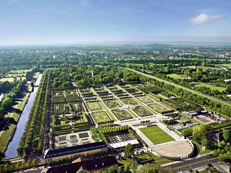 Rococo Gardenj Gardens Of The World Royal Garden Green Architecture