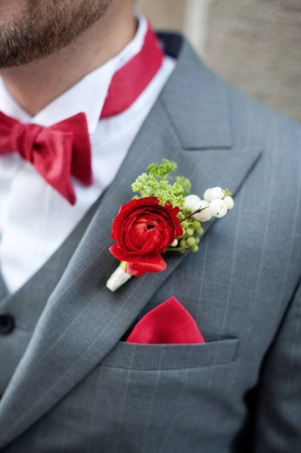 The perfect adornment for a groomsmen's suit, a boutonniere to die for. www.chasedance.com.au