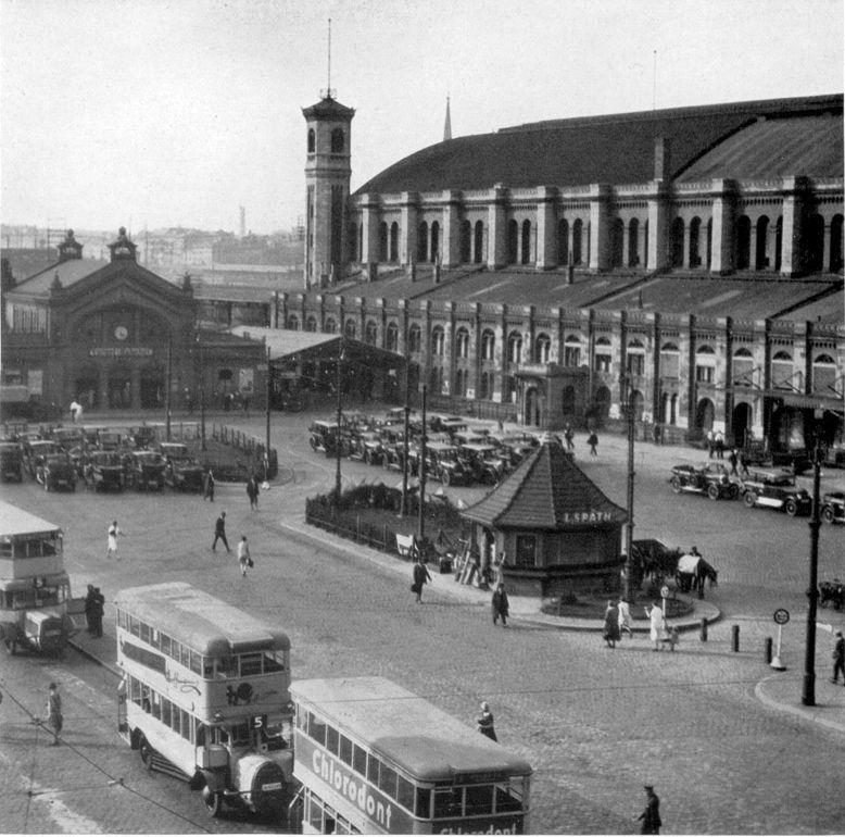 ca 1920 Rechts Stettiner Fernbahnhof,links Stettiner