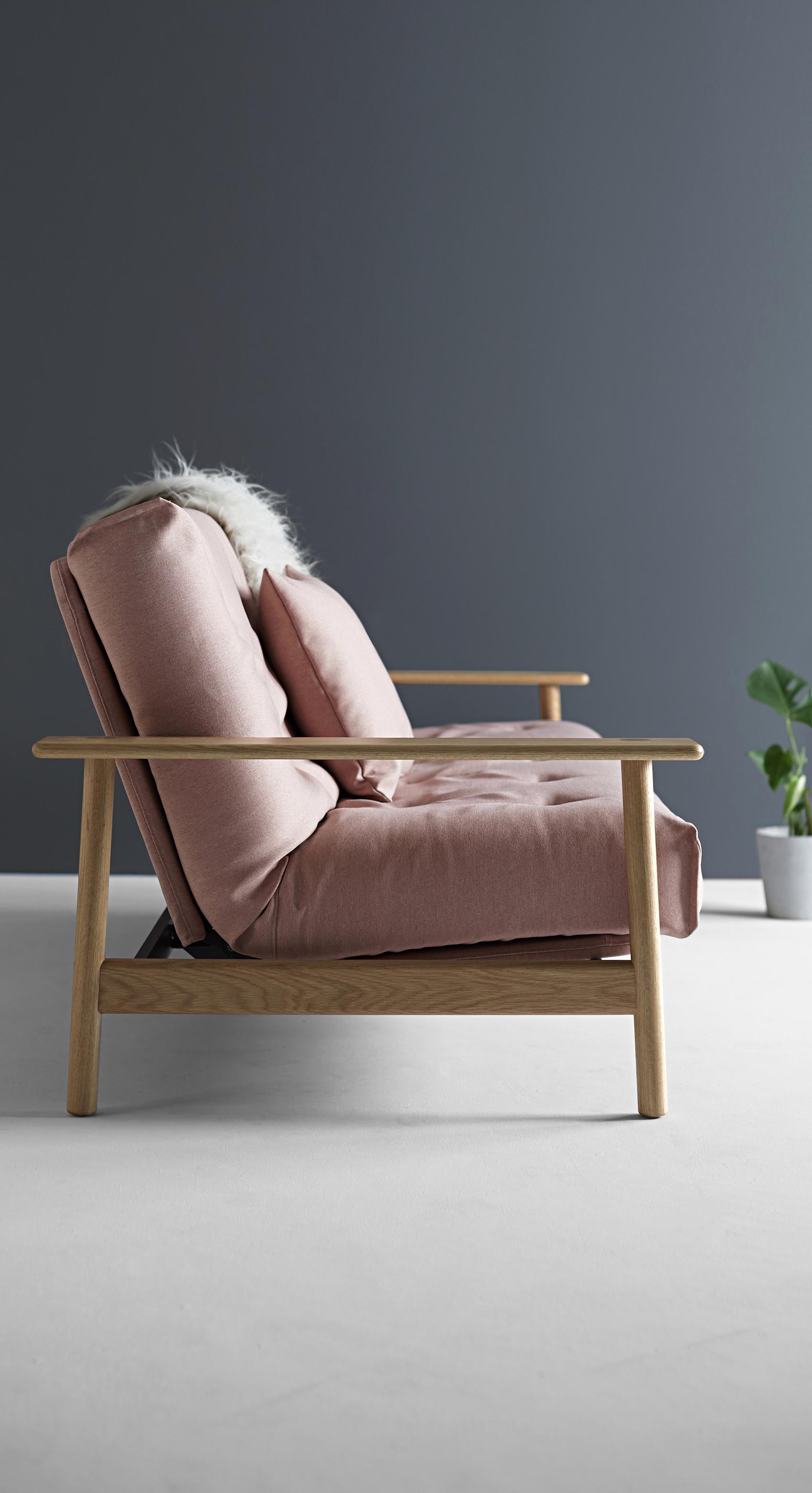 Futon Sofabett In Rosa Und Grau Mit Beinen Aus Holz Music Room