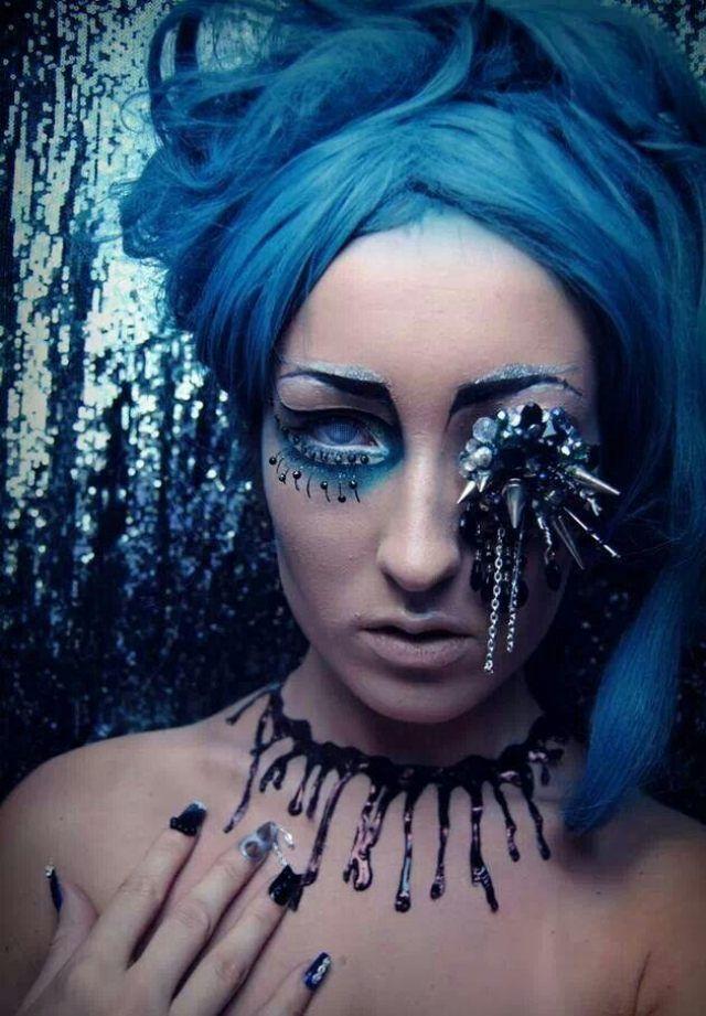 halloween bilder meerjungfrau blaue glitter schminke. Black Bedroom Furniture Sets. Home Design Ideas