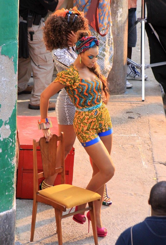 83639bd0472 Beyonce Knowles - Beyonce Knowles And Alicia Keys Shoot A Music Video In  The Santa Marta Slum