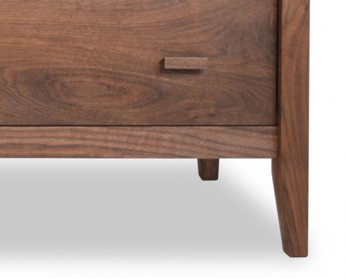 7 Drawer Dresser Horizon Walnut Detail 2