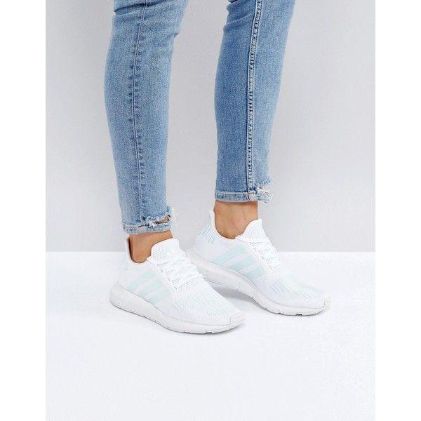 Adidas Originals Swift Run Trainers en blanco con franja de menta (143