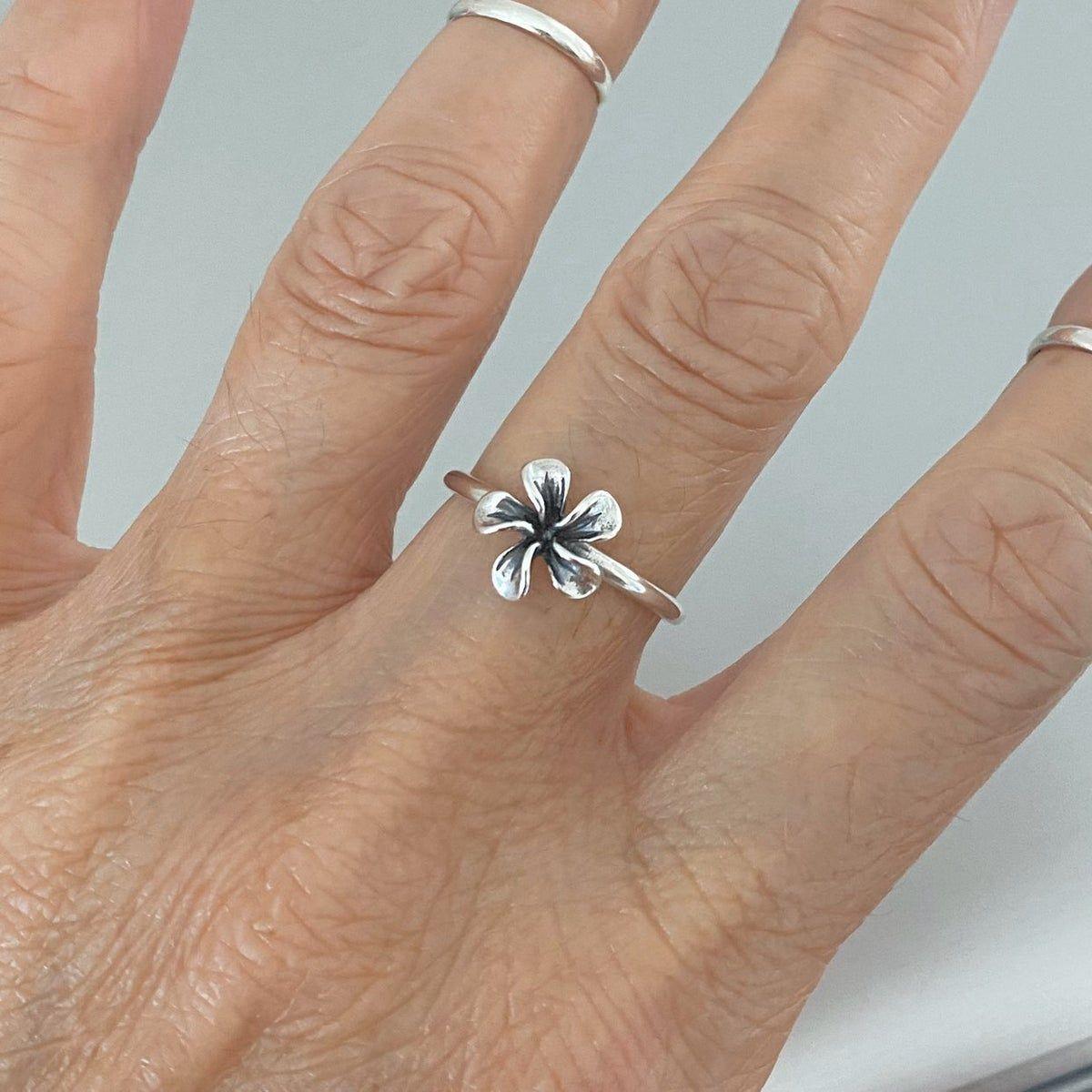 Sterling Silver Plumeria Flower Ring In 2020 Flower Ring Rings Silver